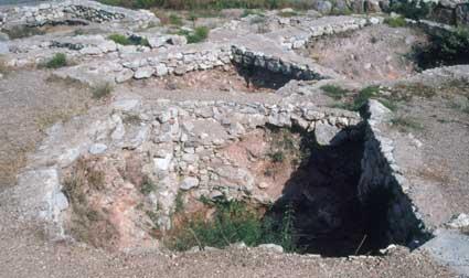 Mycenae. Graves in Circle B
